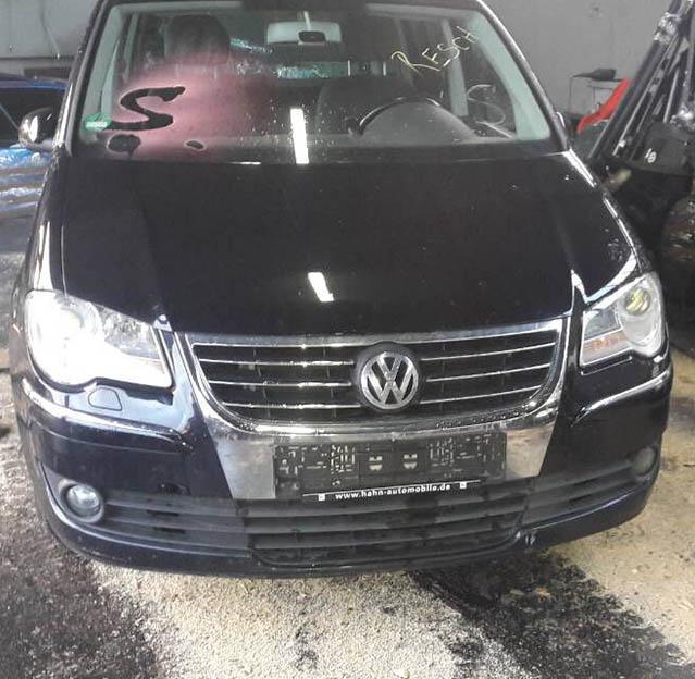 Volkswagen Touran 2008 г.