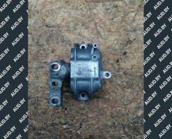 Подушка крепления двигателя правая 1K0199262