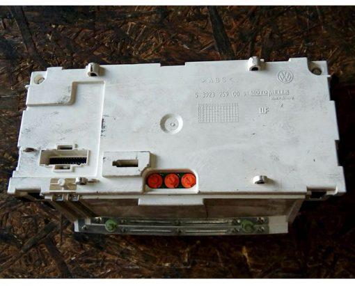 Панель приборов Фольксваген Гольф 3 дизель 1H0919863P