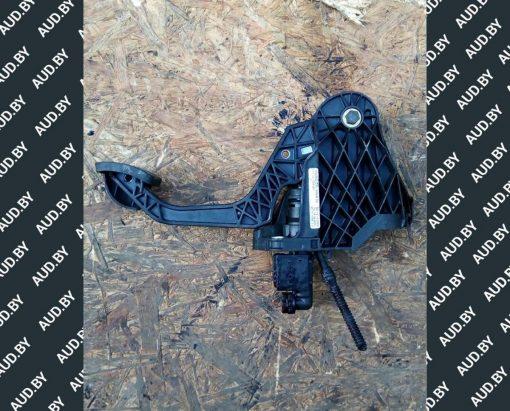 Педаль сцепления Фольксваген Туран 1T1721059BS - купить в Минске