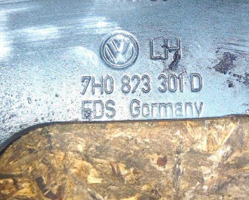 Петля капота Volkswagen T5 левая 7H0823301D - купить в Минске