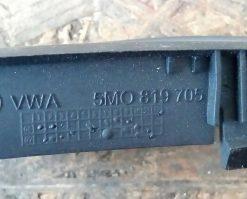 Дефлектор Volkswagen Golf Plus 5M0819705