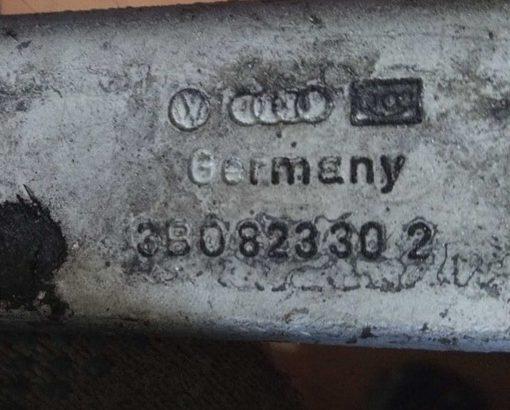 Петля капота Volkswagen Passat B5 правая 3B0823302 купить в Минске