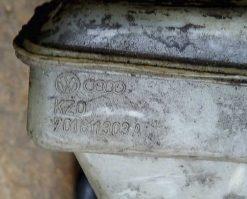Бачок главного тормозного цилиндра Volkswagen T4 701611303A - купить в Минске