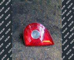 Фонарь задний Фольксваген Гольф 5 правый внутренний хетчбек 1K6945094G - купить в Минске