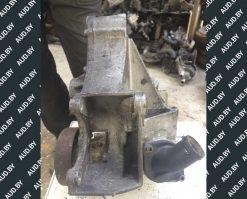 Кронштейн генератора 028903143AF - купить на разборке в Минске