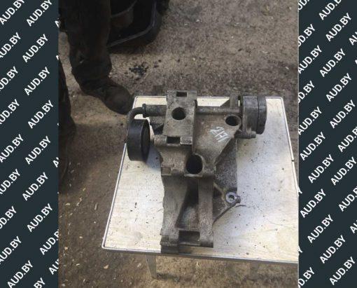 Кронштейн генератора 037903143G - купить на разборке в Минске
