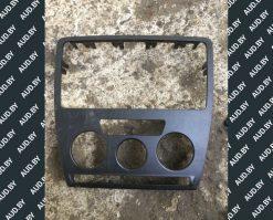 Рамка магнитолы Шкода Октавия А5 1Z0858069 - купить в Минске