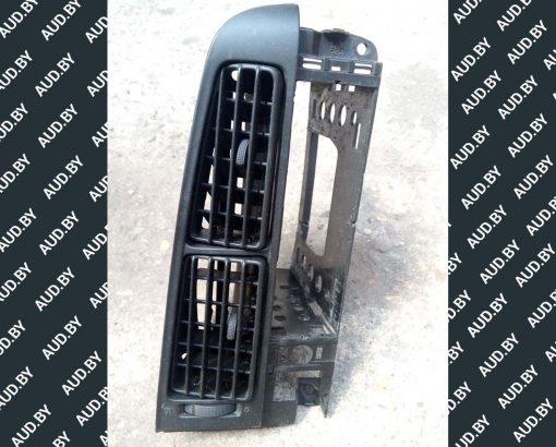 Дефлектор Volkswagen Golf 3 центральный 1H6819736 - купить в Минске