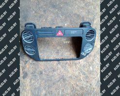 Рамка под магнитолу Volkswagen Golf Plus 5M0858071K - купить в Минске