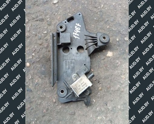 Кронштейн клапана 078133365B - купить на разборке в Минске