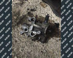 Кронштейн масляного фильтра Audi A4 B6 / B7 06B115417F - купить в Минске