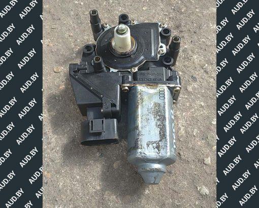 Моторчик стеклоподъемника Audi A6 C4 передний правый 4A0959802D