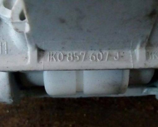 Ручка потолка салона Volkswagen Golf 5 задняя 1K0857607J - купить на разборке в Минске
